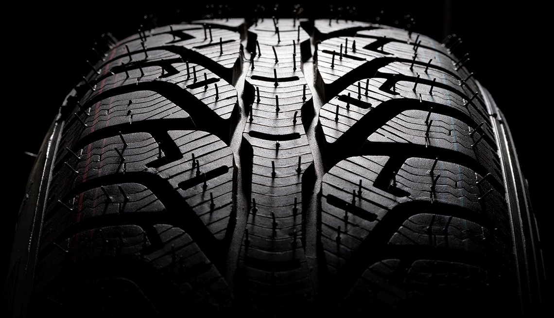 auto safety checklist - tire tread