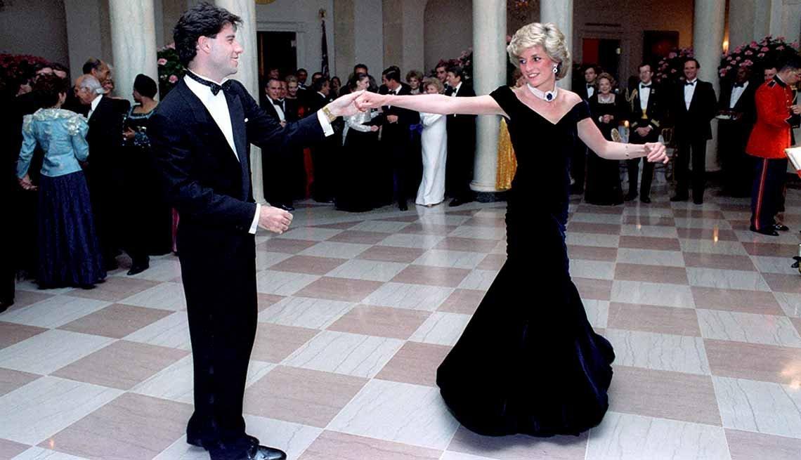 Lady Diana bailando con John Travolta