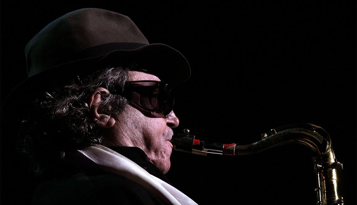 Famous People Lost 2016, Gato Barbieri, musician, 83