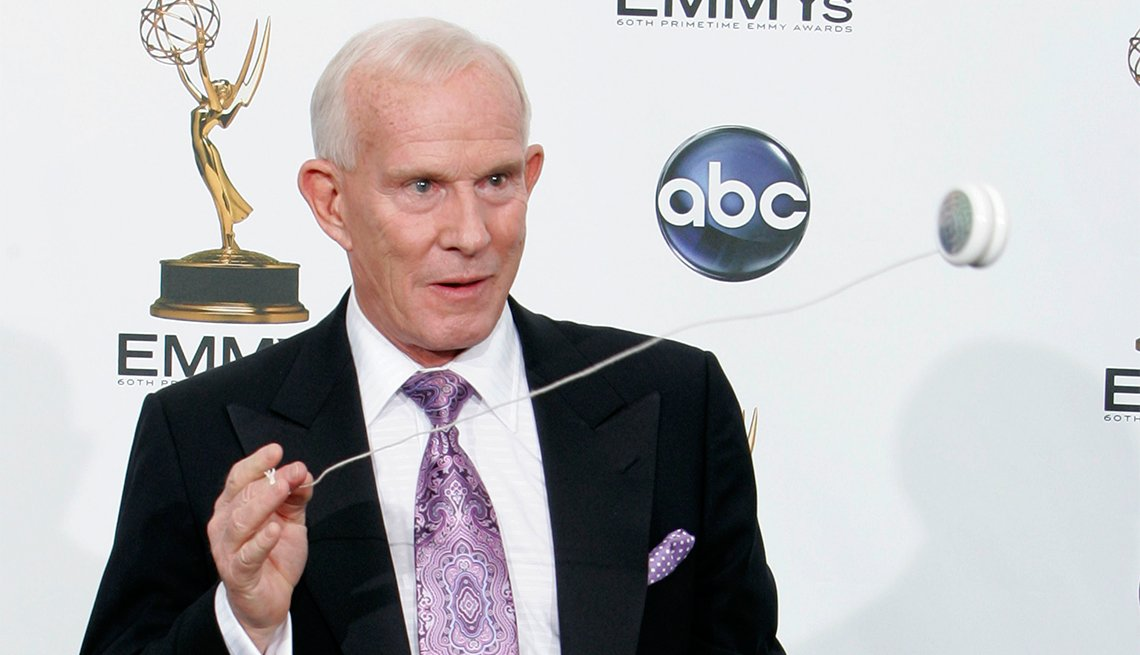 Tommy Smothers, 80