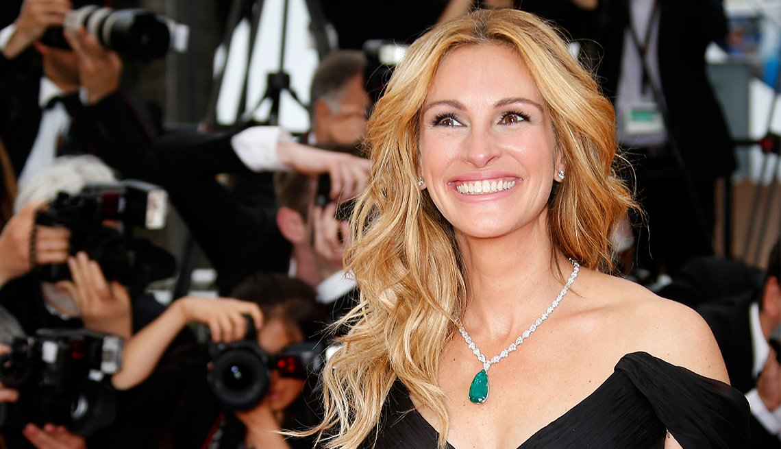 Julia Roberts wins the title for the fifth time