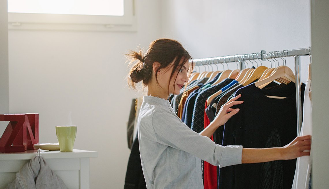 5 Reasons to Clean Out Your Closet