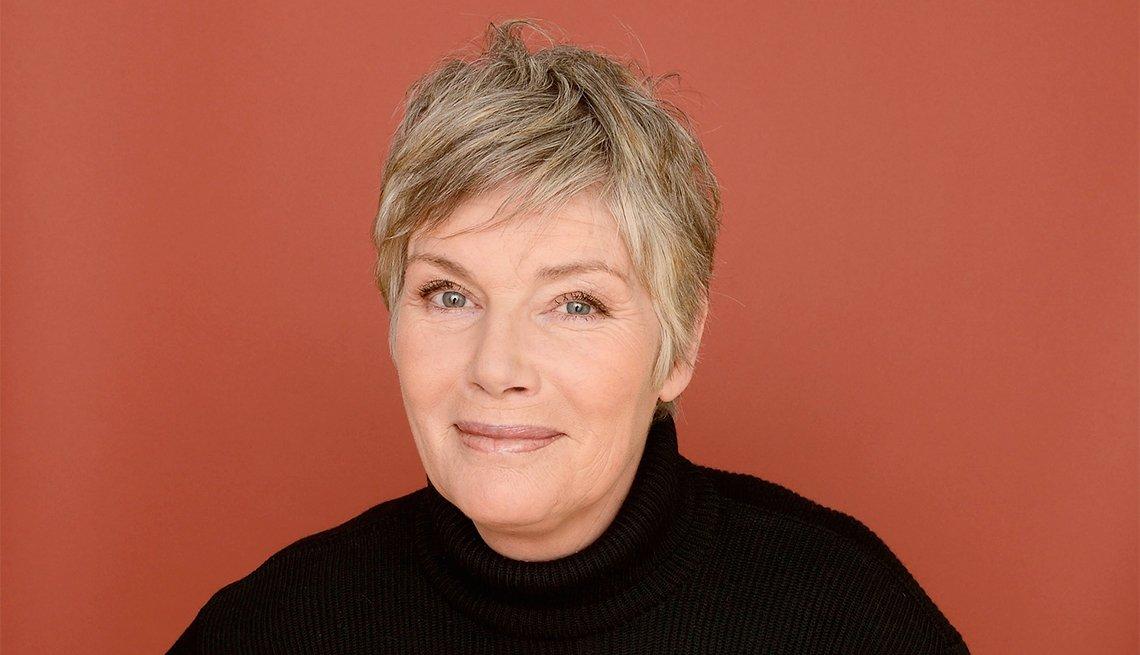 Kelly McGillis, 60