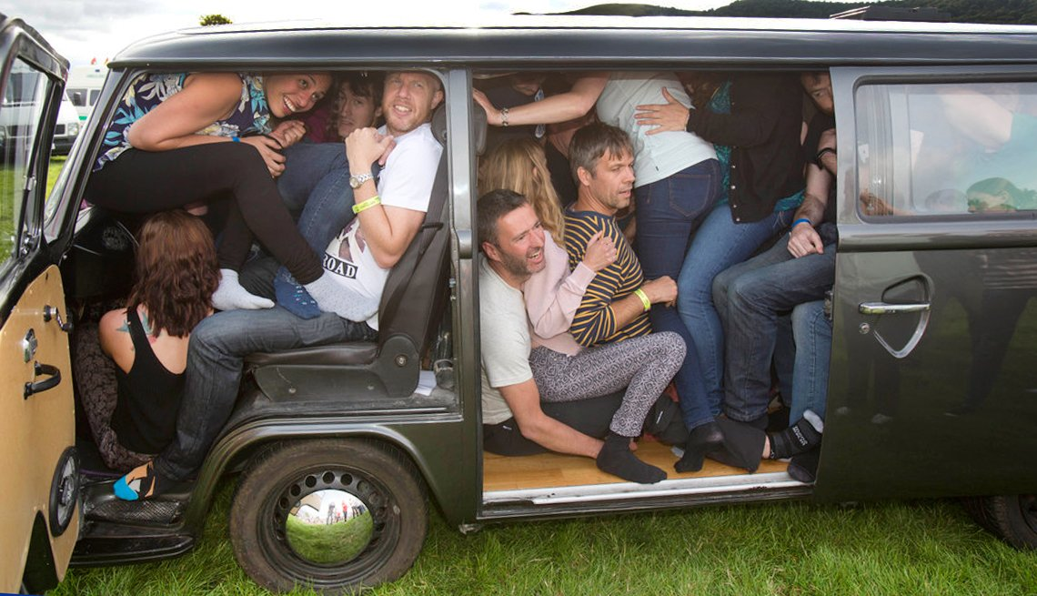 Guinness book most people in vw minivan