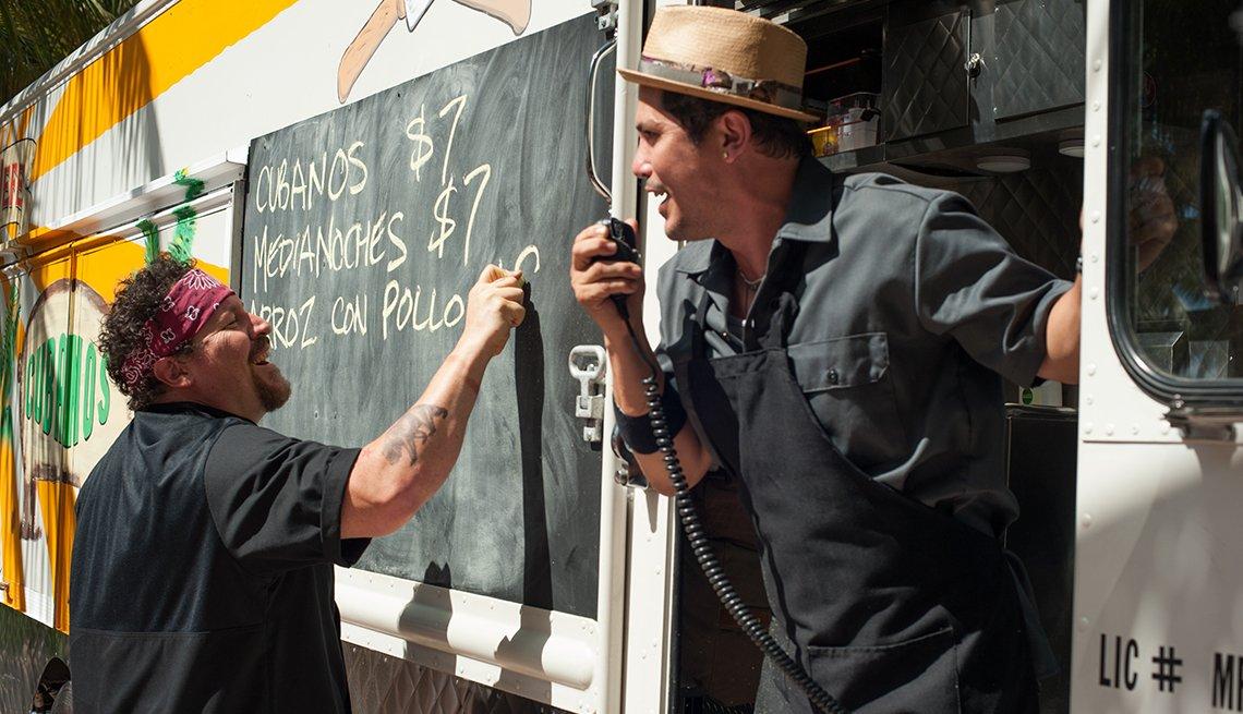 jon favreau, john leguziamo, chef, movie review