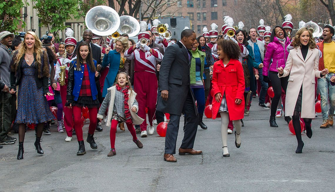 Annie, The Movie, Musical, Jamie Foxx, Rose Byrne, Actors, 2014 Holiday Movie Preview