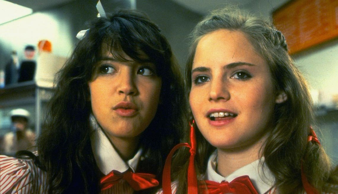 Phoebe Cates and Jennifer Jason Leigh in 'Fast Times at Ridgemont High'