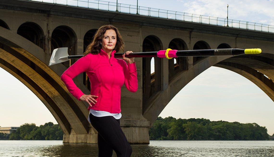 Wonder Woman Lynda Carter Potomac river sculling rowing