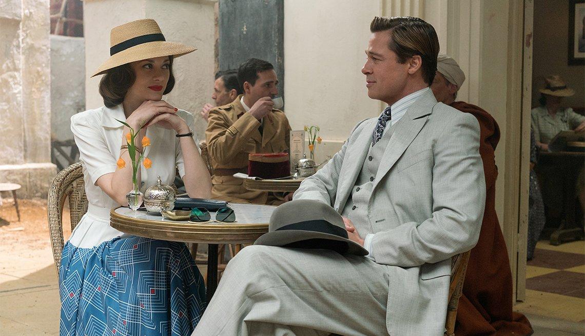 Marion Cotillard and Brad Pitt in 'Allied'