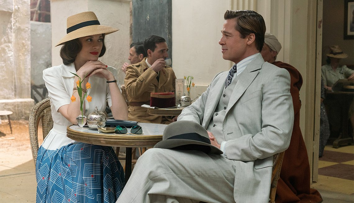 Marion Cotillard and Brad Pitt in 'Allied'