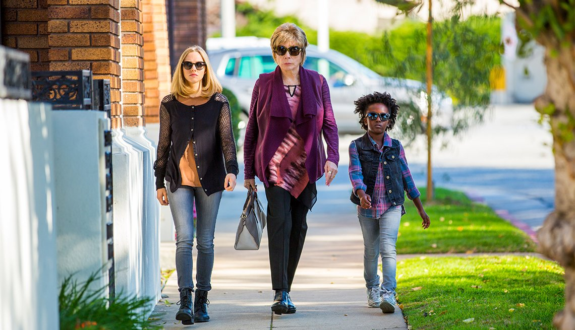 Amanda Seyfried, Shirley MacLaine and  Ann'Jewel Lee in 'The Last Word'