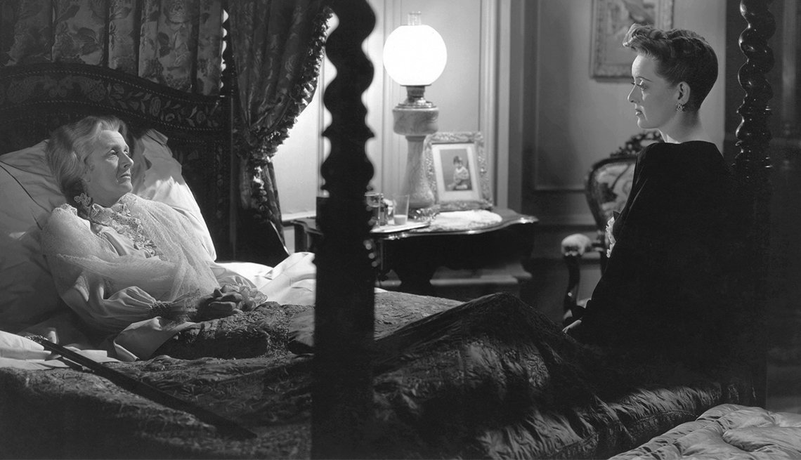 Gladys Cooper and Bette Davis in 'Now, Voyager'