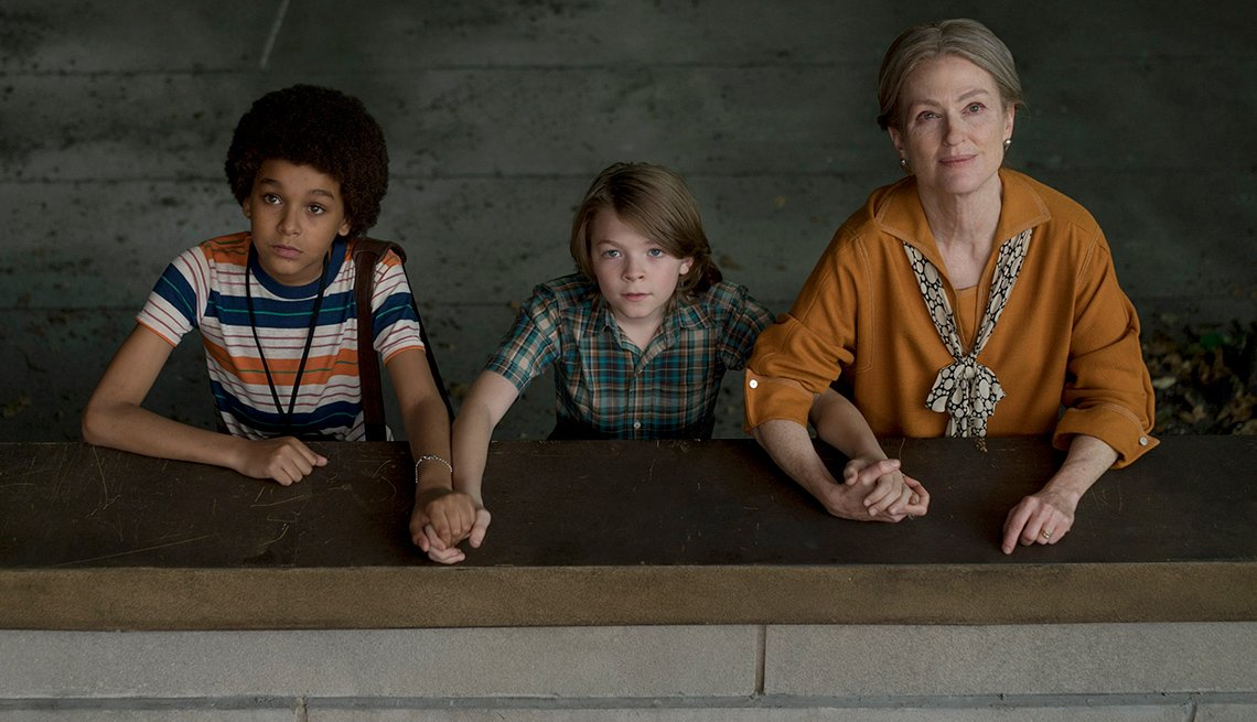 Jaden Michael, Oakes Fegley, and Julianne Moore in 'Wonderstruck.'
