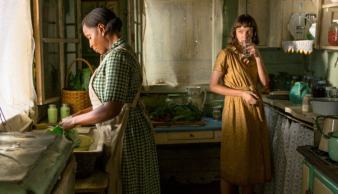 Mary J. Blige and Carey Mulligan in 'Mudbound'