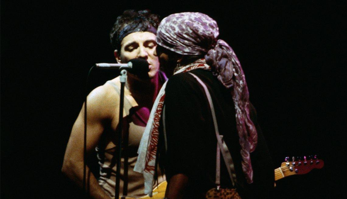 Bruce Springsteen and Steven Van Zandt in 1984