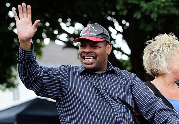 Hall of Famer Leon Spinks Mike Groll/AP Images)
