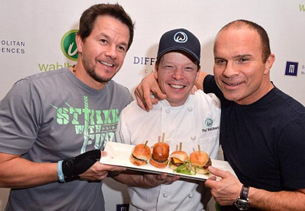 'Wahlburgers' tv show on A&E, Top New TV Shows for Grownups