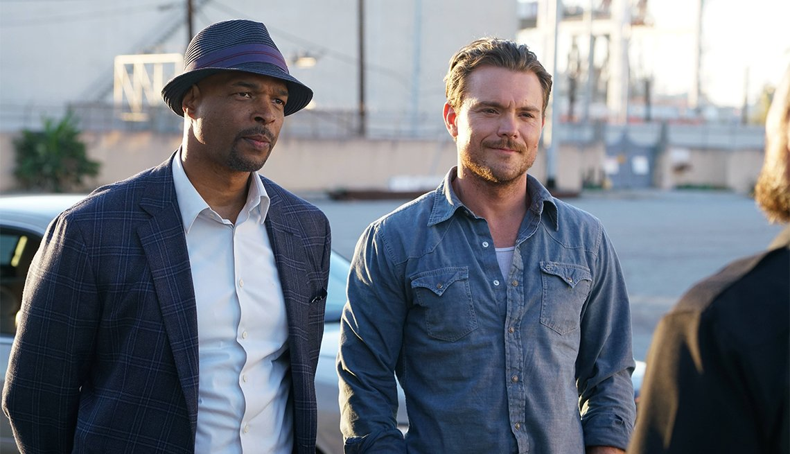 Daman Wayans and Clayne Crawford in 'Lethal Weapon'