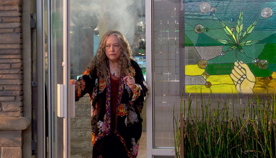 Kathy Bates in 'Disjointed'