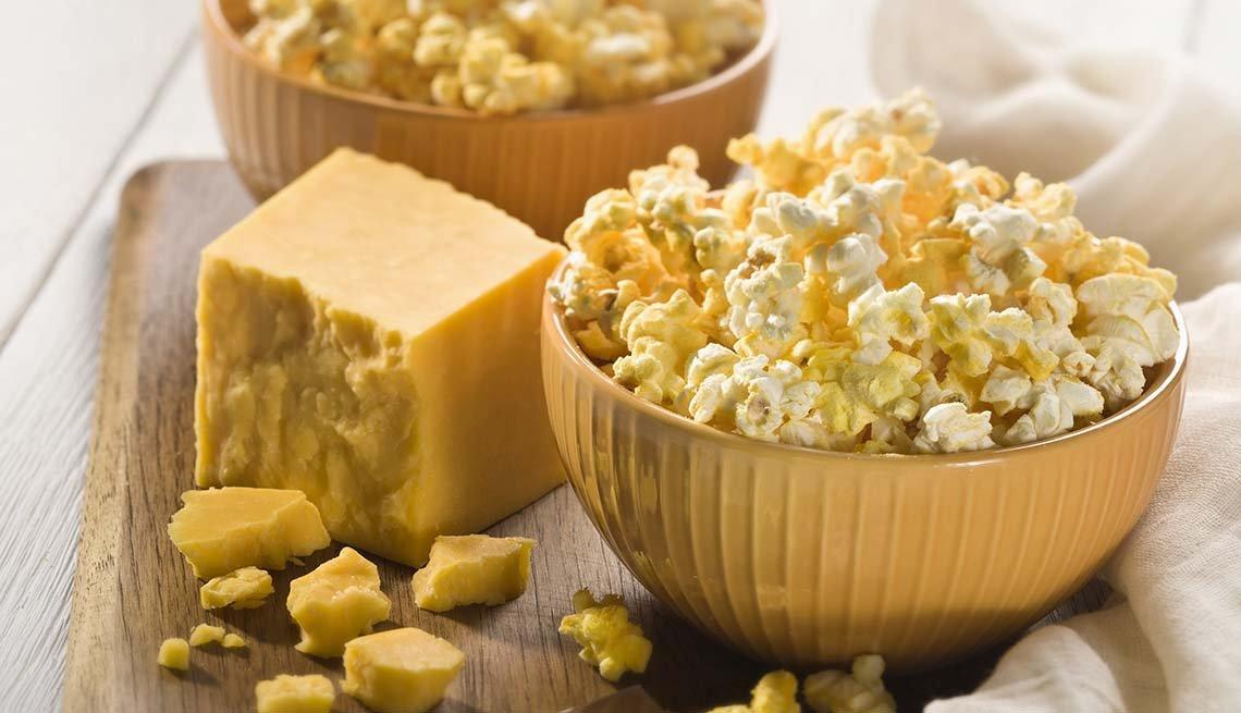 Pimenton-Parmesan Popcorn, Pam Anderson Super Bowl Snacks