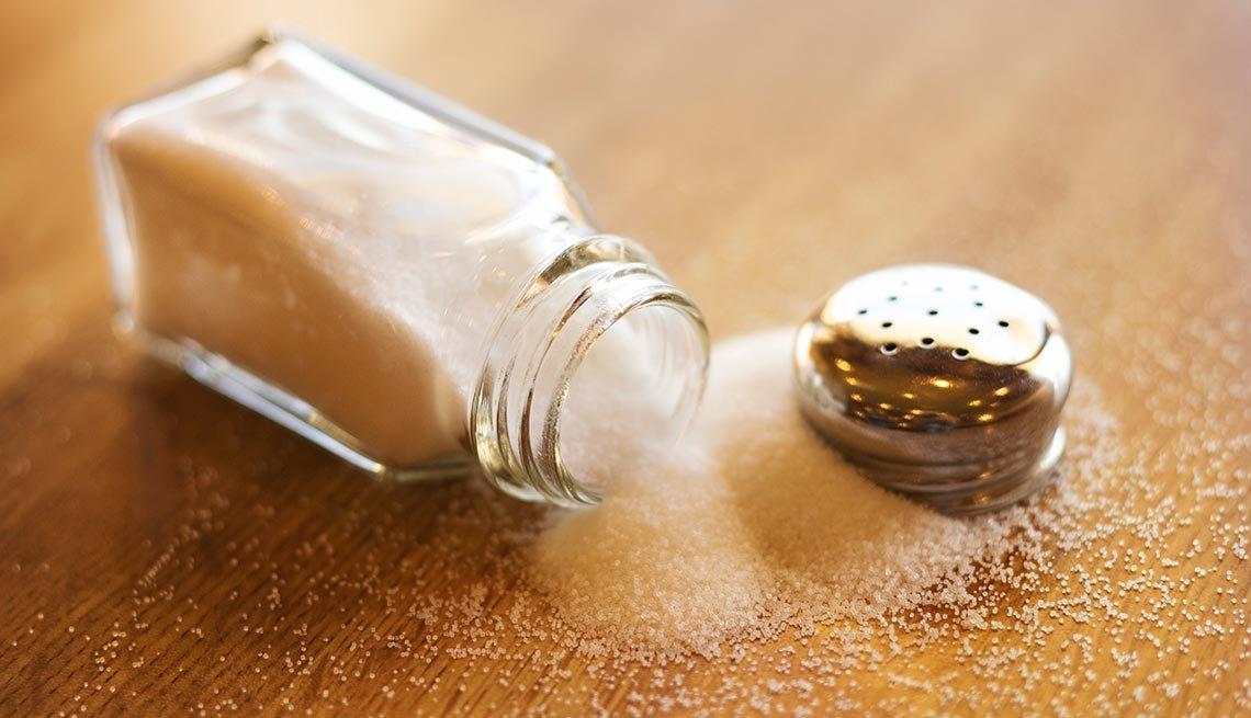 Sal - 10 Alimentos que se deben evitar con la presión arterial alta