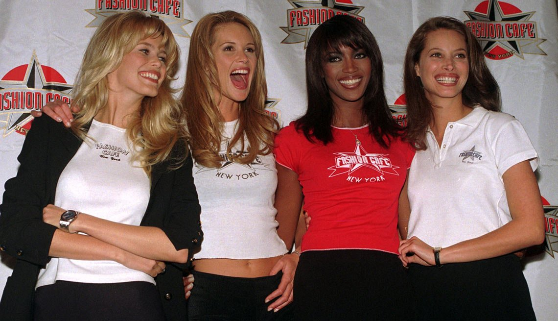 Fashion Café - Claudia Schiffer, Elle MacPherson, Naomi Campbell, Christy Turlington