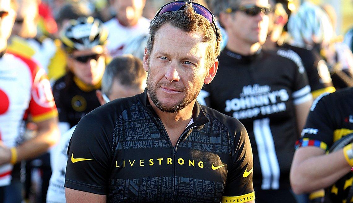 Lance Armstrong - Famosos que sobrevivieron al cáncer
