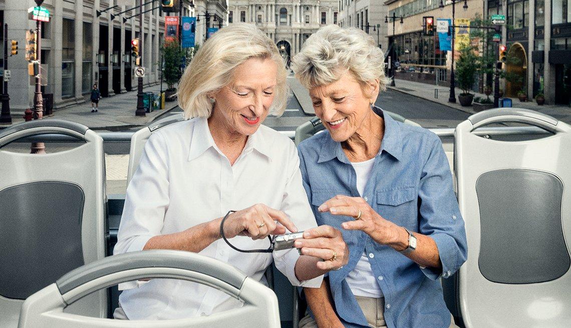 cc2016037 - Leslie Horenberger & Sharon Ridings for AARP Bulletin
