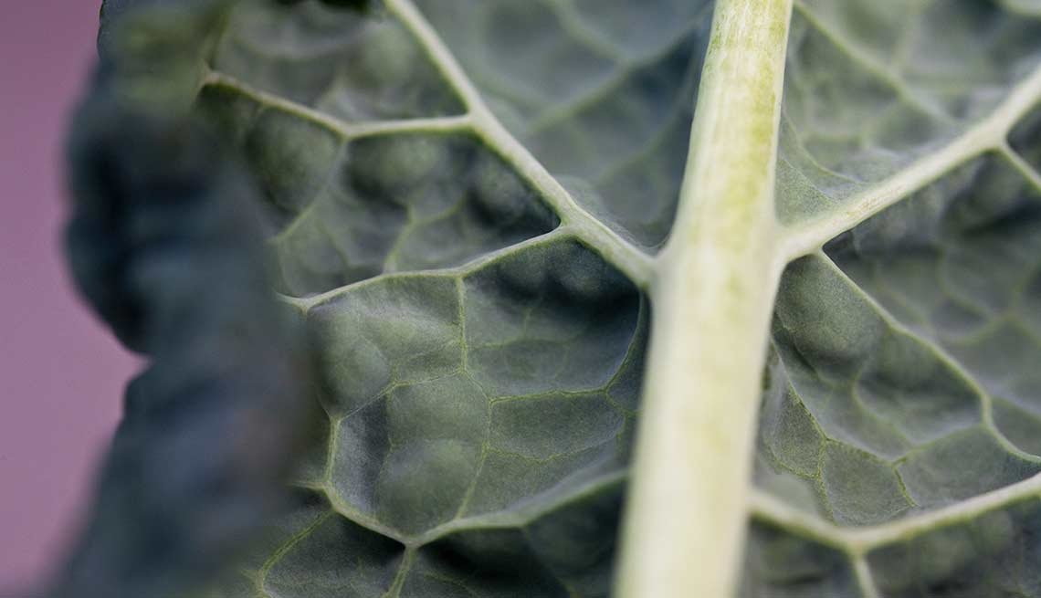 Kale leaf, food drug interactions