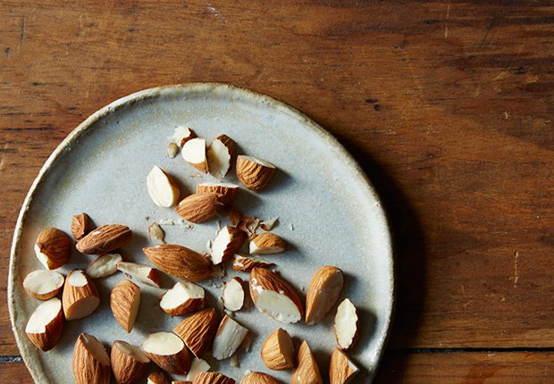 Almonds, Foods That Reduce Stress