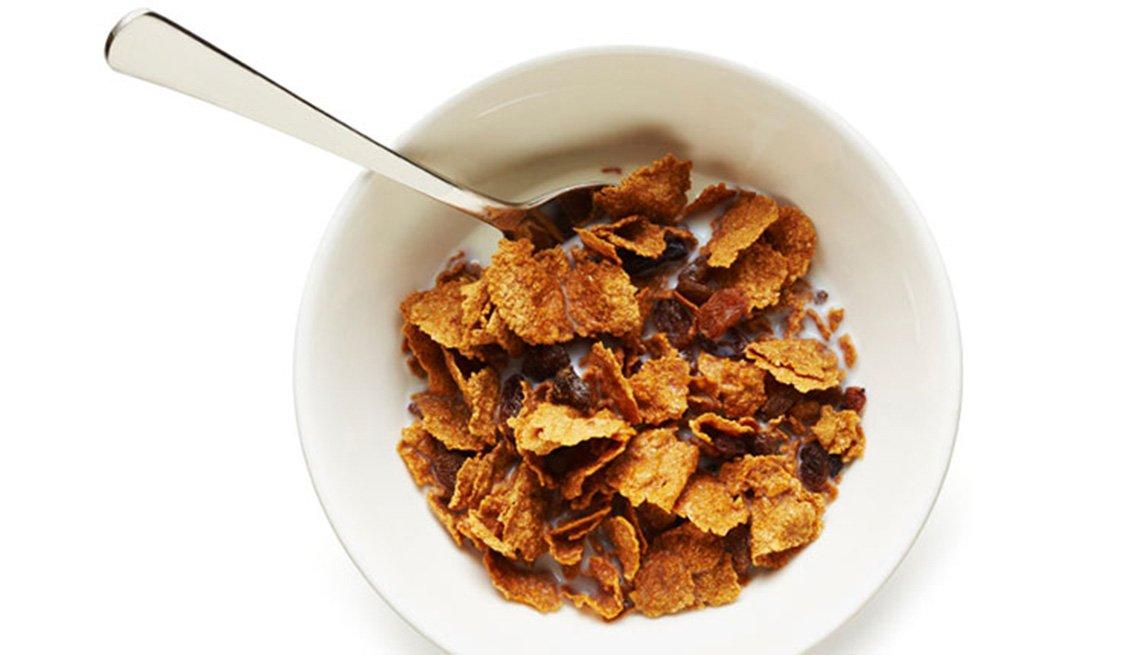 Cereal y leche - Comidas que ayudan a dormir