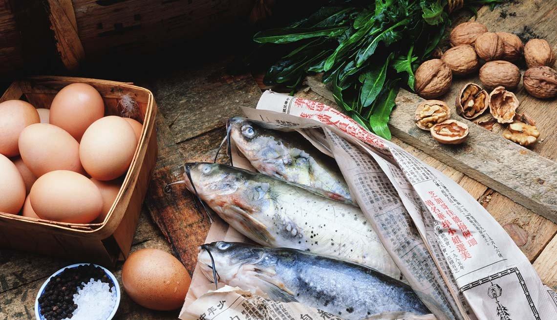 Huevos, pescado y nueces - Alimentos altos en Omega 3