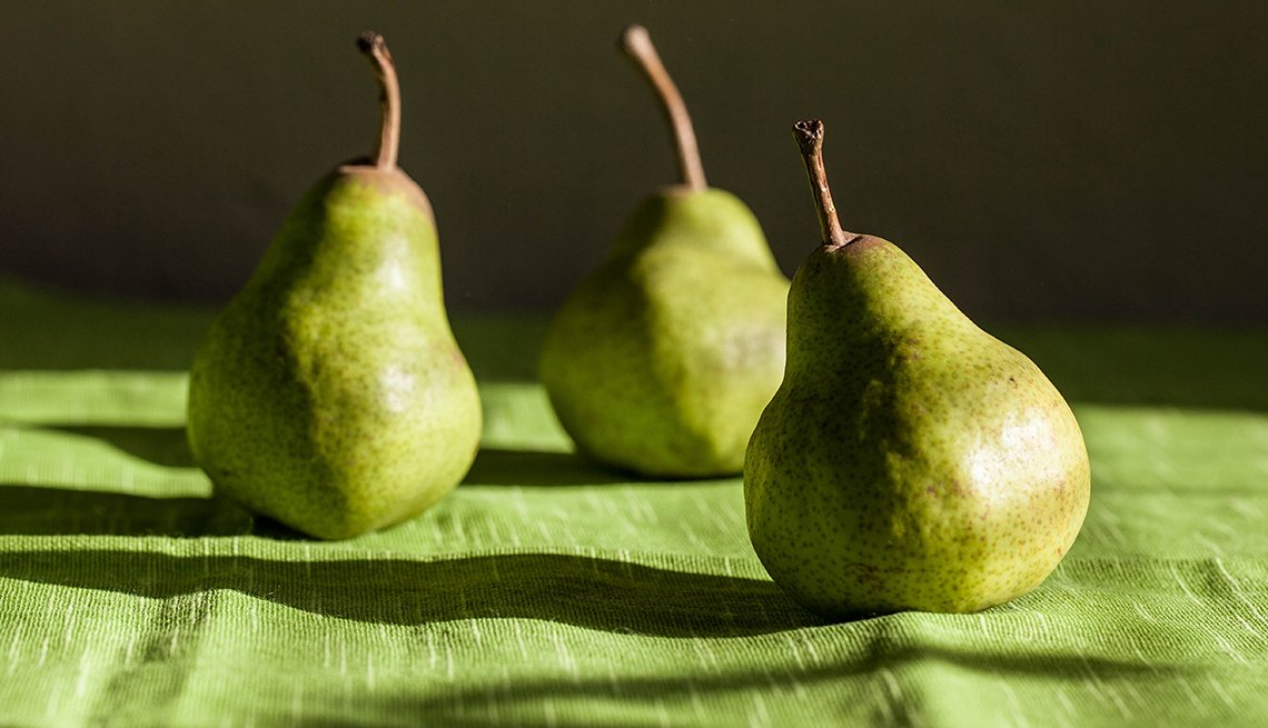 Green pairs on a cloth, Fat Busting Fall Foods