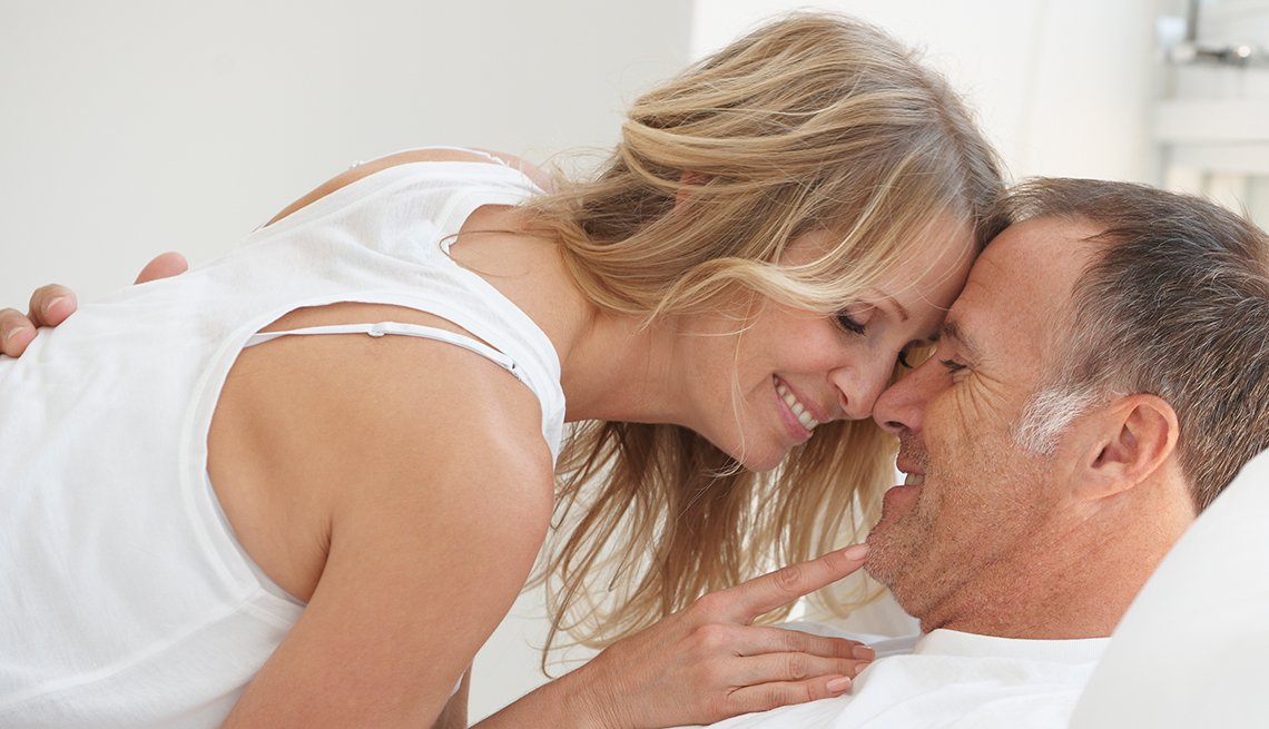 having sex at least once a week slows aging