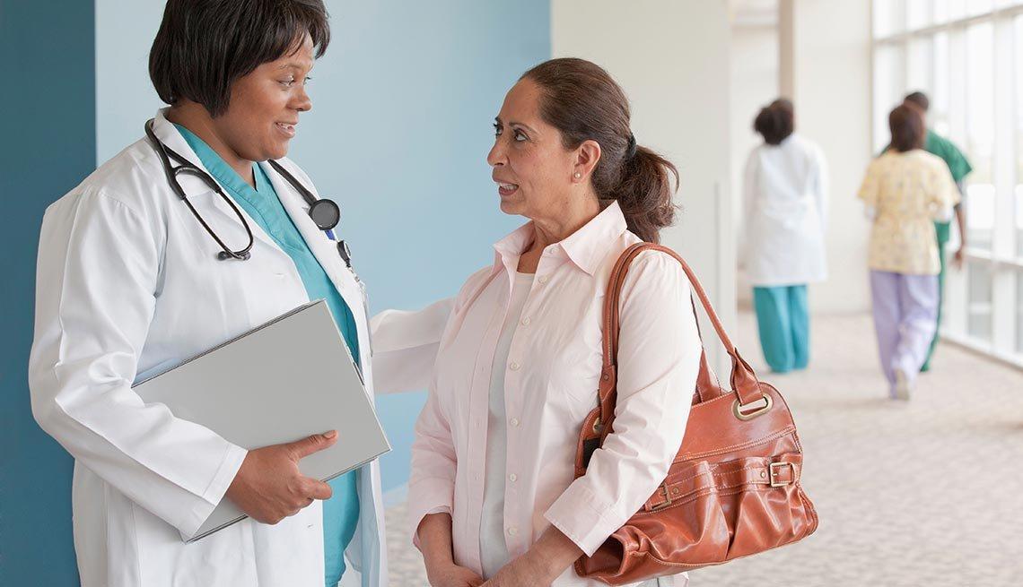 Cómo encontrar a un médico que hable español