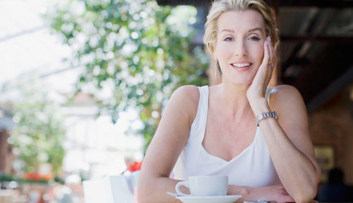 Single Woman Facing Camera, Real-Life Dating Advice