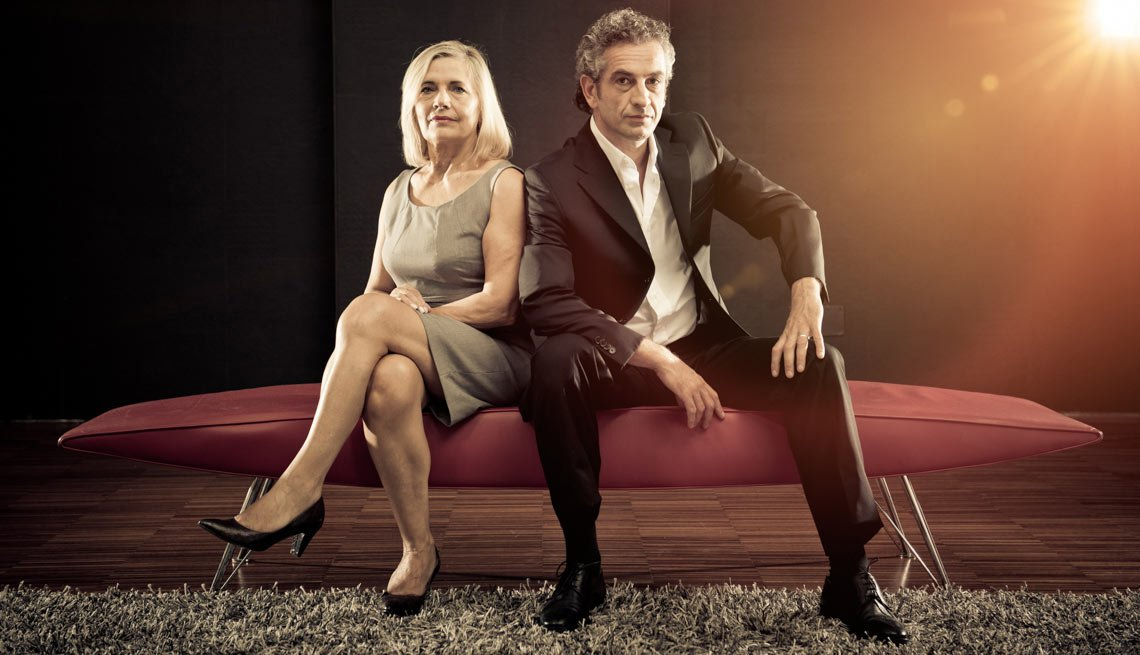 Fashion mature couple looking the camera and posing on sofa, How to  End a Fledgling Relationship