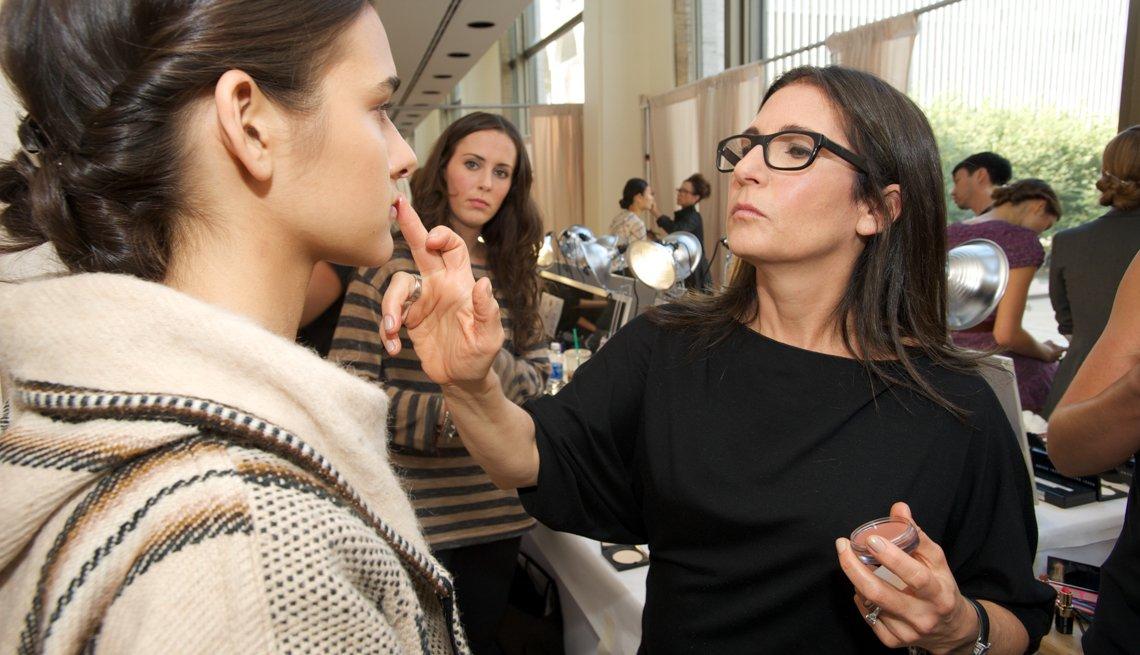 Make-Up Artist Bobbi Brown works her magic, Bobbi  Brown's Own Beauty Secrets for Women 50+!