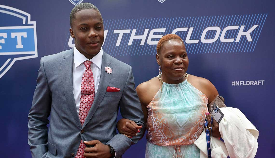 Terry Bridgewater, NFL, Athlete, Football, Celebrity Mother's Day Gifts