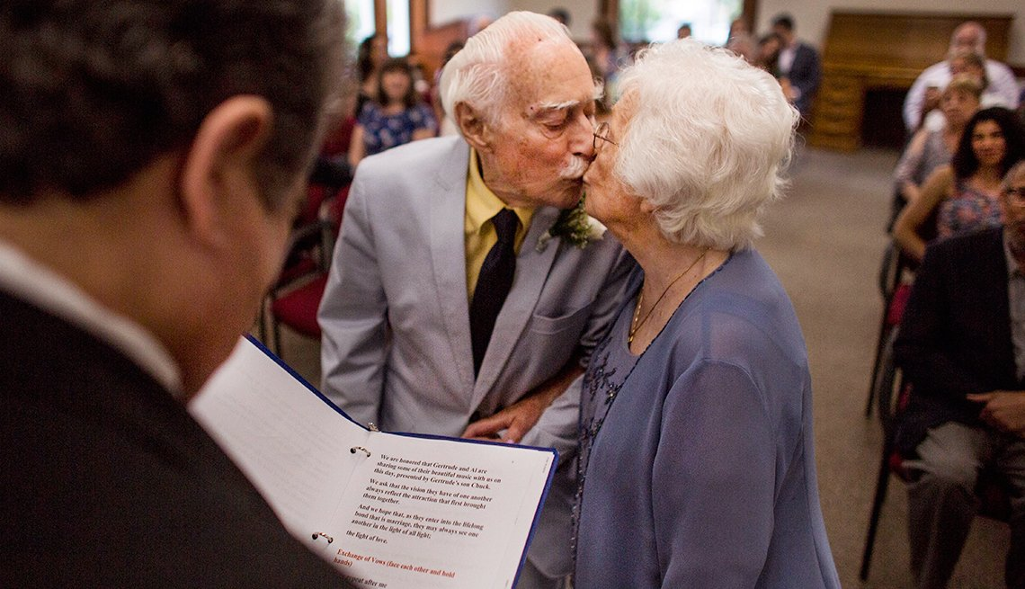 Couple met at gym, married in their 90s