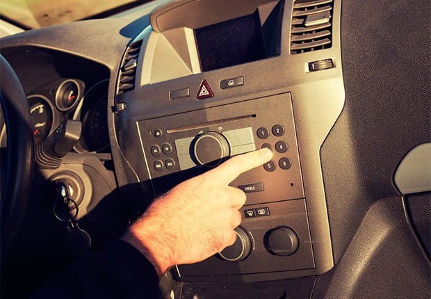 7 Distracted Driving Tips