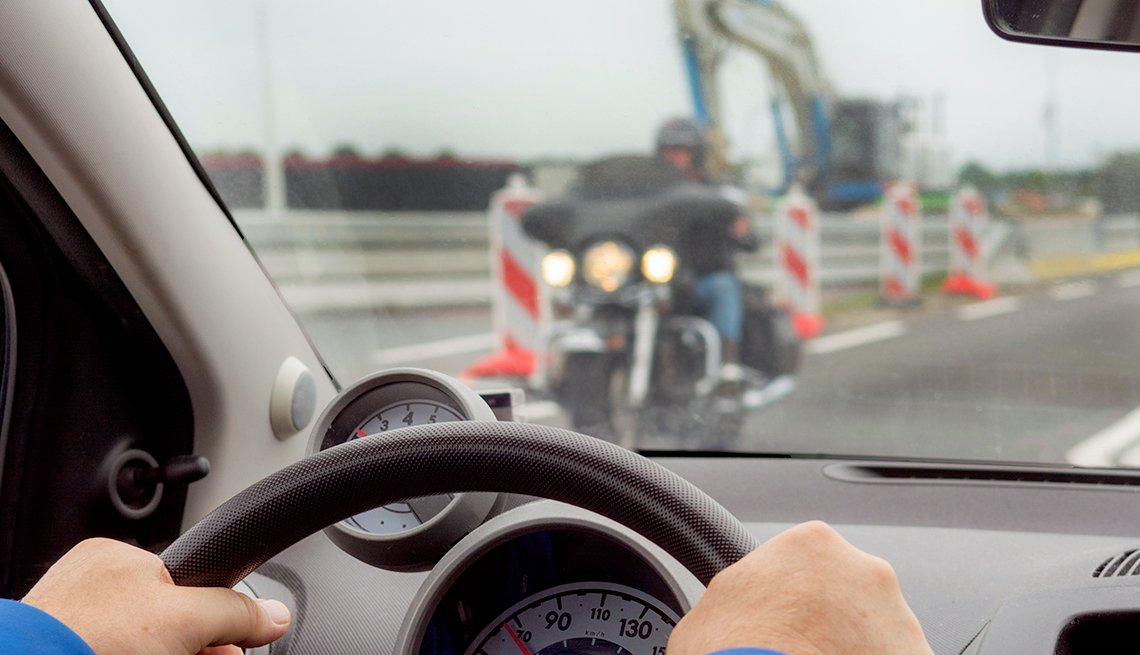 How To Reduce Driver Distraction - Look Where You Want to Go