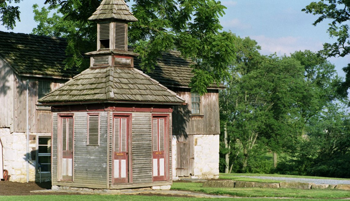 Tolpehocken Manor Outhouse with separate entrances for men and women