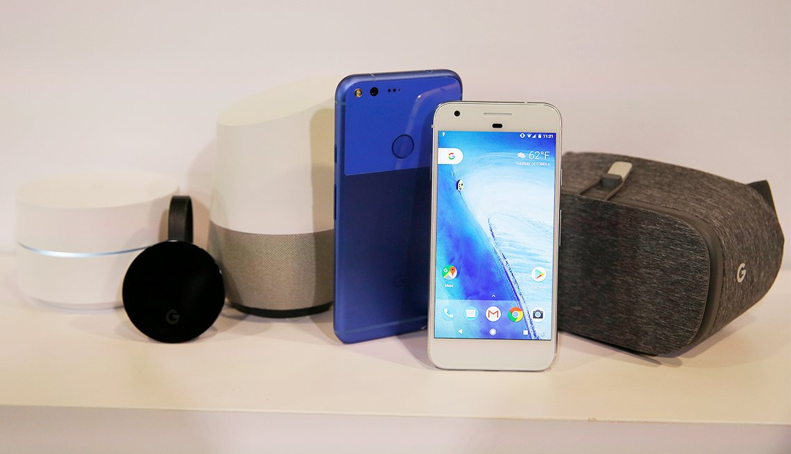 Google Introduces Pixel Smartphone