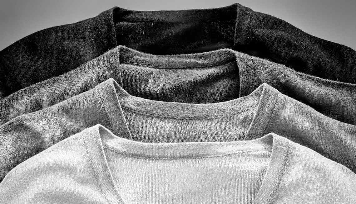 Stay neutral. For clothing staples such as coats or sweaters, choose colors that are neutral.