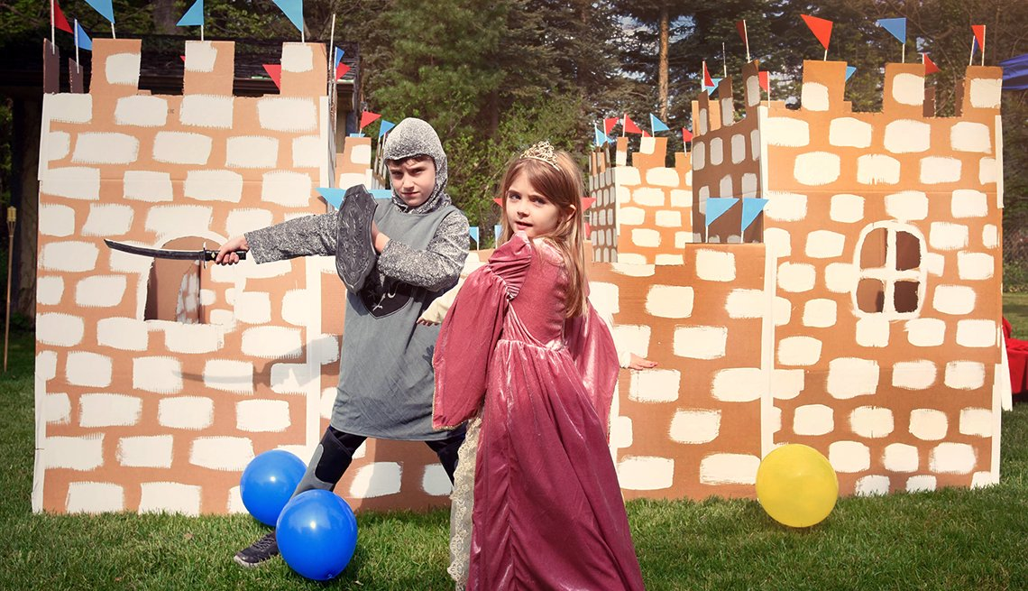 Fun Summer Things To Do With Grandkids - Cardboard Castles