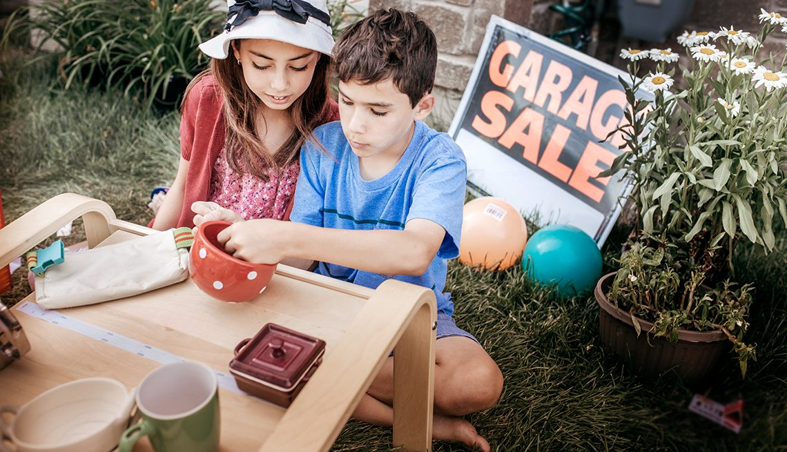 Fun Summer Things To Do With Grandkids - garage sale