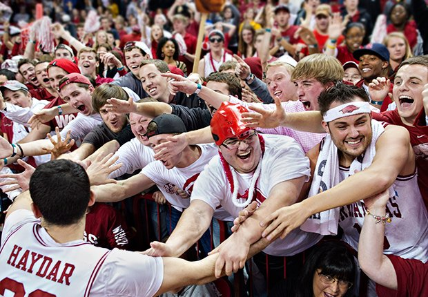 College sports team fans, 8 Hidden College Expenses