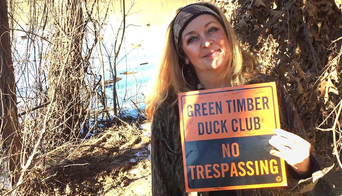 Best investment Apple stock Desireé Owen, Duck-farm owner, Barlow, Kentucky