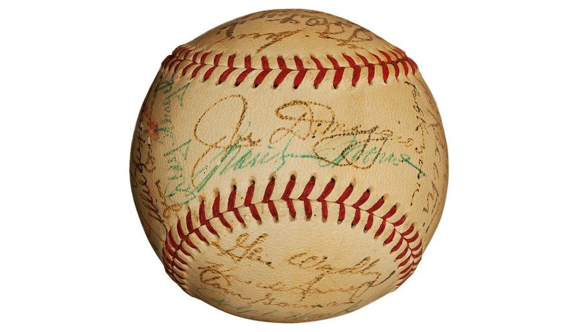 Pelota de béisbol autografiada por Joe DiMaggio, artículos de colección de valor